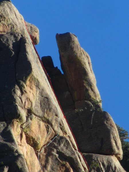 Rock Climbing Photo: Blue line show the approximate path of Oasis Red. ...
