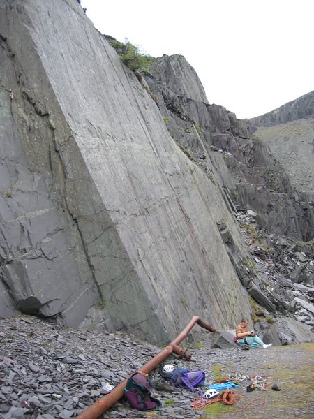 Rock Climbing Photo: The Looning the Tube Slab, with the chain visible ...