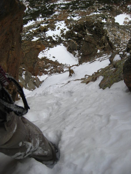 Looking down mid-way up the upper left branch of Turf War.  50+ degree snow.
