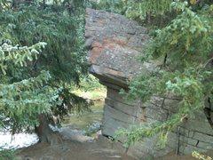 Rock Climbing Photo: Jaws Boulder = Good fun, good edges!!