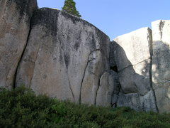 Rock Climbing Photo: Splitters at shoreline cliffs