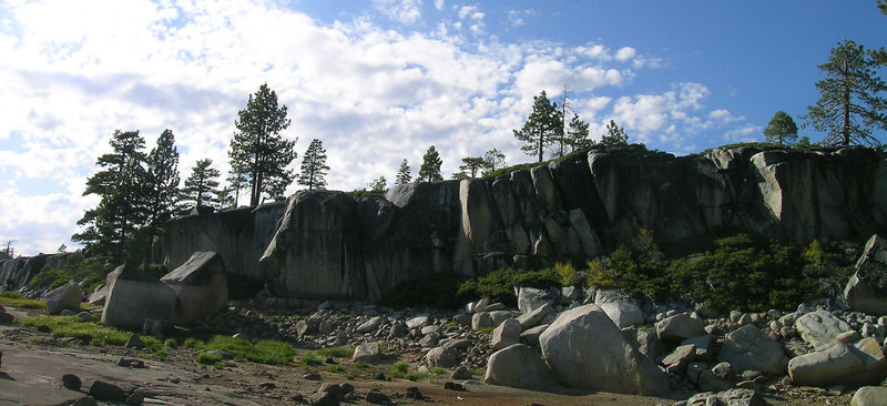 Rock Climbing Photo: Shoreline cliffs