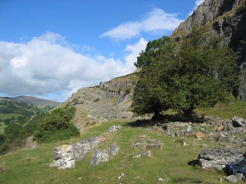 Rock Climbing Photo: Looking along the escarpment
