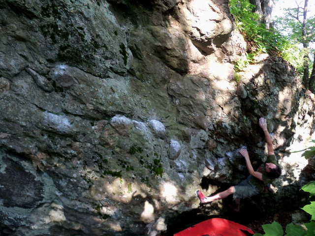Travis Horne on the FA of Pit-Fall Traverse