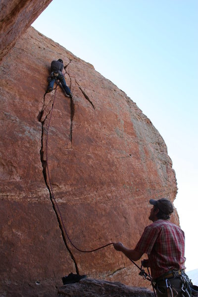 Rock Climbing Photo: Going up.... Left foot is on the loose block.