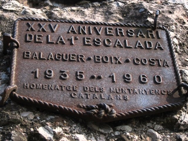 Memorial plaque on Cavall Bernat