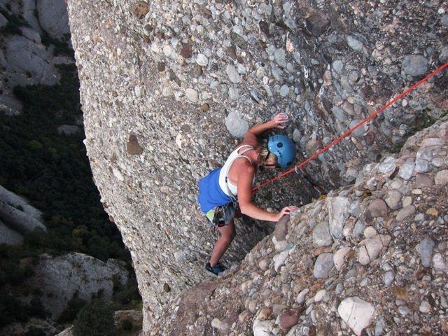 Rock Climbing Photo: Long corner crack finish on Pitch 3 of Cavall Bern...