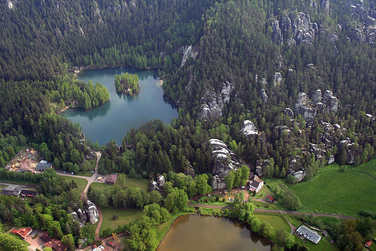Rock Climbing Photo: Aerial photo of Adrspach railway station and Lake