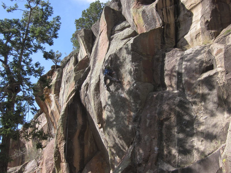 Rock Climbing Photo: The Wanker Rail getting it's F.A. on a cool Novemb...