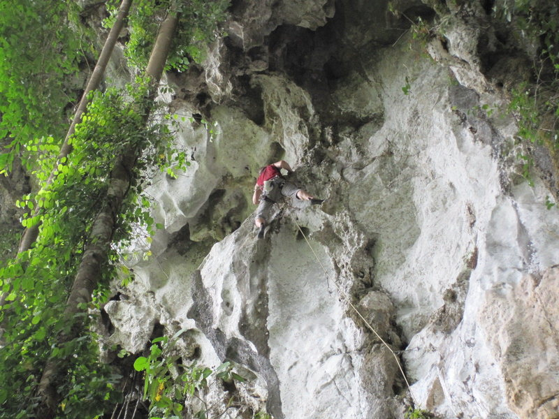 Rock Climbing Photo: Alex approaching the rest alcove cave before the r...