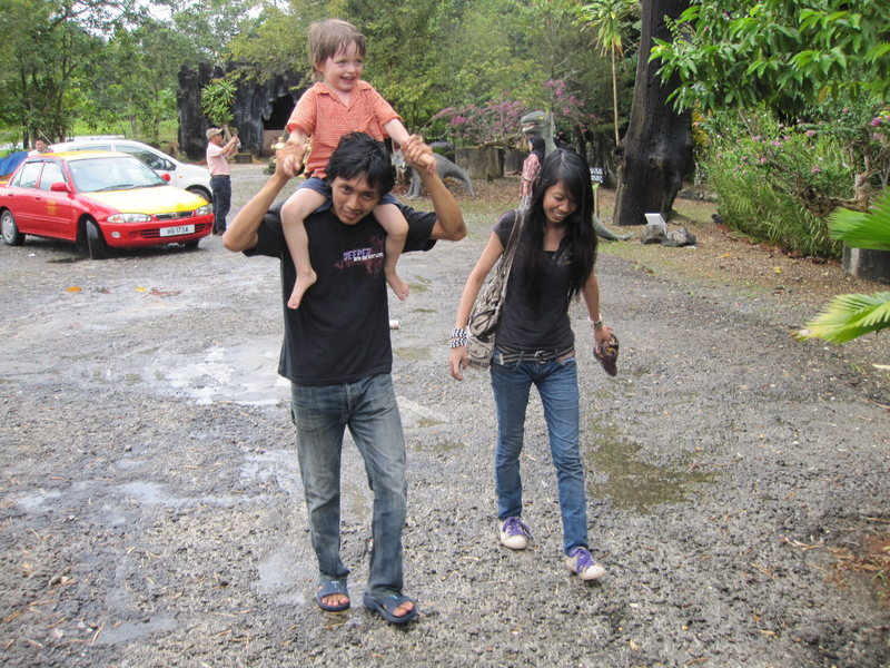 Noh (one of the first ascentionists at The Zoo), Chxqo, and Kiran going to get wild at The Zoo Wall.