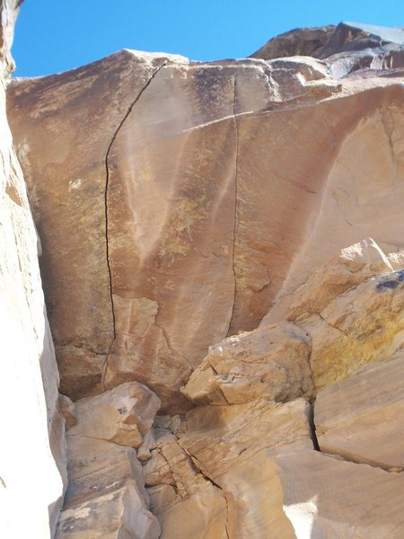 Rock Climbing Photo: Here is a shot of a cool looking overhanging crack...