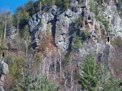 Rock Climbing Photo: The pinnacles of Chapel Pond Pass