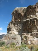 "Rock Climbing Photo: BFD Rock's NW aspect.  The route ""the Smell&q..."