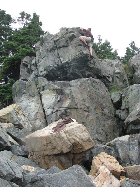 Rock Climbing Photo: Found this one on the shore south of Blackwoods.