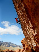 Rock Climbing Photo: Thread fin (5.12b) , Tsunami wall, Second Pullout ...