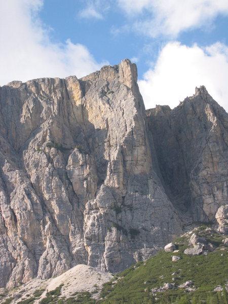 Rock Climbing Photo: Picture of the Alvera route on Cima Bois (Col Dei ...