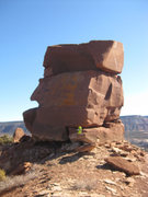 Rock Climbing Photo: Funky summit block, with a Nalgene bottle for scal...