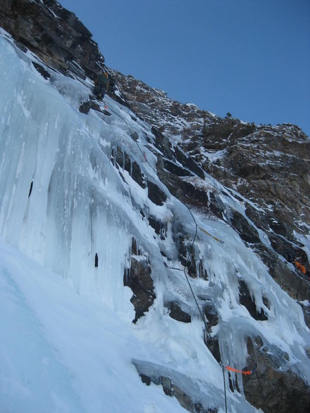 All Mixed Up - RMNP on 11/26/2011. Alan Ream leading our second pitch. Photo by Mike Walley.
