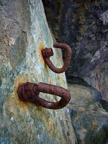 Rock Climbing Photo: Old bolts on top of the Route