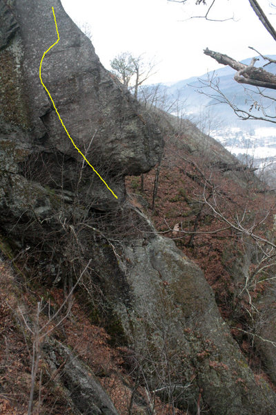 Rock Climbing Photo: This shows the west facing side of the cliff and a...