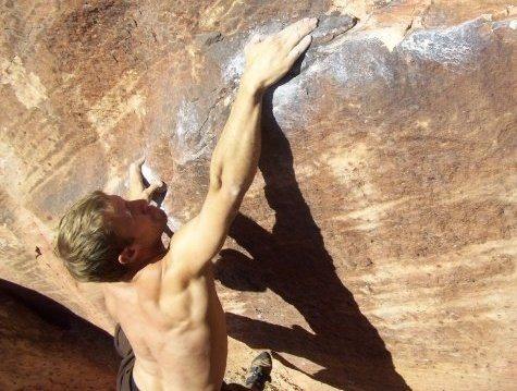 Sending in Kraft Boulders, Calico Basin, LV, NV, USA