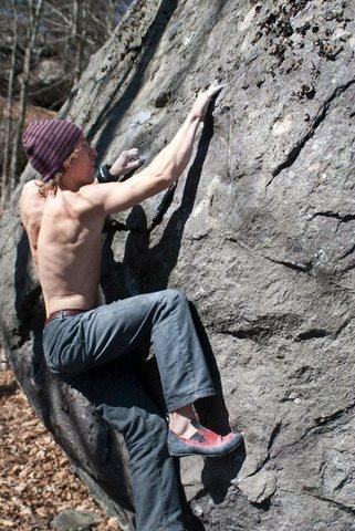 Rock Climbing Photo: Matador (V4) on the Trail's End Boulder, Trail's E...