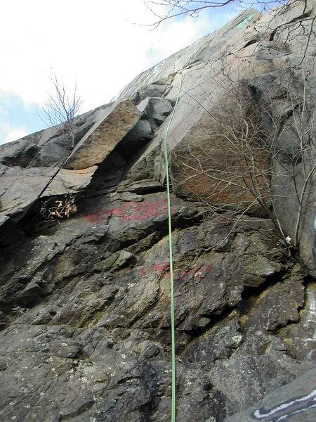 View of the bottomless chimney on Fallout, G Wall, Quincy Quarries. This is rated a 5.6 in Boston Rocks guide, but it seems more like a 5.5 to me.