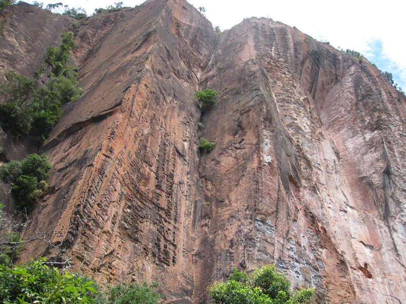 Rock Climbing Photo: Unbolted, unclimbed wall at Berhala Island. Lots o...