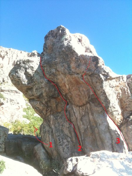 Patriot Crack routes:<br> 1: Spine, V2<br> 2: Patriot Crack, V2<br> 3: Suicide Crack, V3
