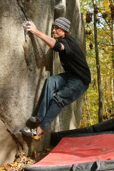 Rock Climbing Photo: Polyplucker, switching feet to the right side for ...