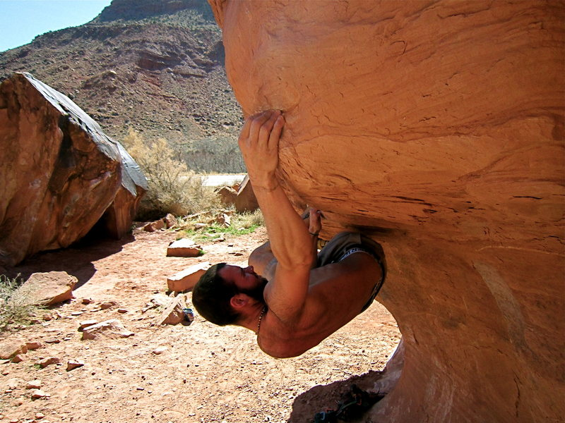 Rock Climbing Photo: Big Bend Bouldering V5 mushroom traverse