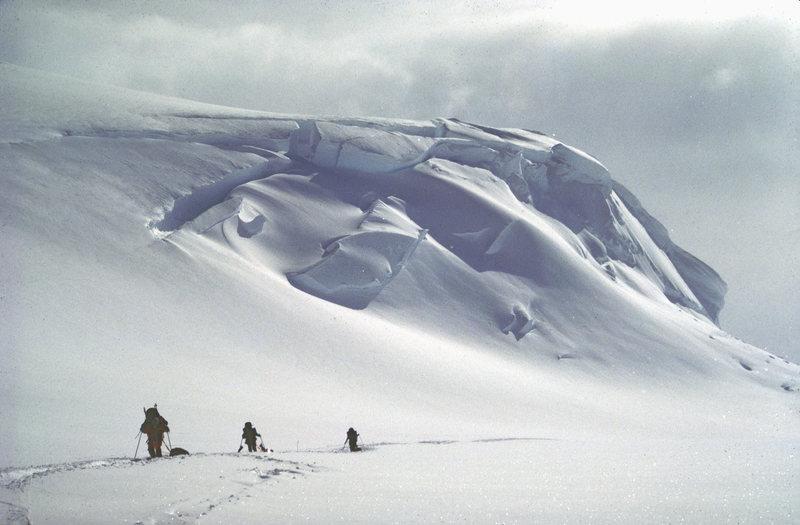 Rock Climbing Photo: Heading towards Windy Corner - W. Buttress - Denal...