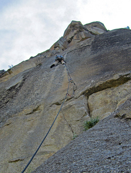 Rock Climbing Photo: At a nice rest partway through the crux section.  ...