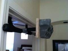 Rock Climbing Photo: Hangboard mounted to pull up bar