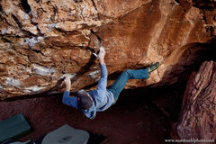 Rock Climbing Photo: Andy Hansen on Monkey Bar Right V6, Dec 2011.  mat...
