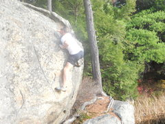 Rock Climbing Photo: Round Pond v1 boulder problem