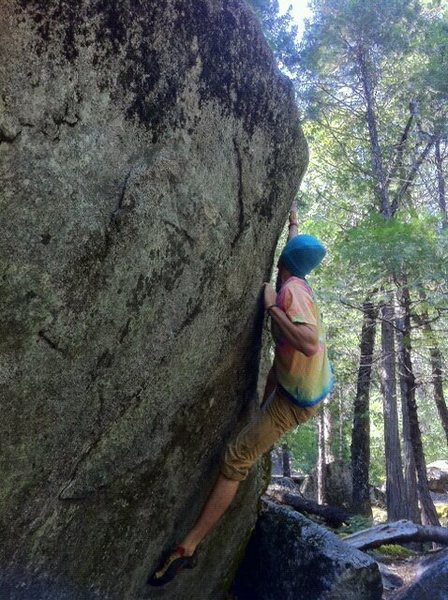 Rock Climbing Photo: un named v2; la conte bouldering