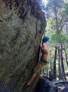 Rock Climbing Photo: un named v2; la conte bouldering