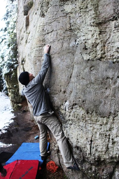 Mike with the right hand on the poor crimp and the left hand in the mono.