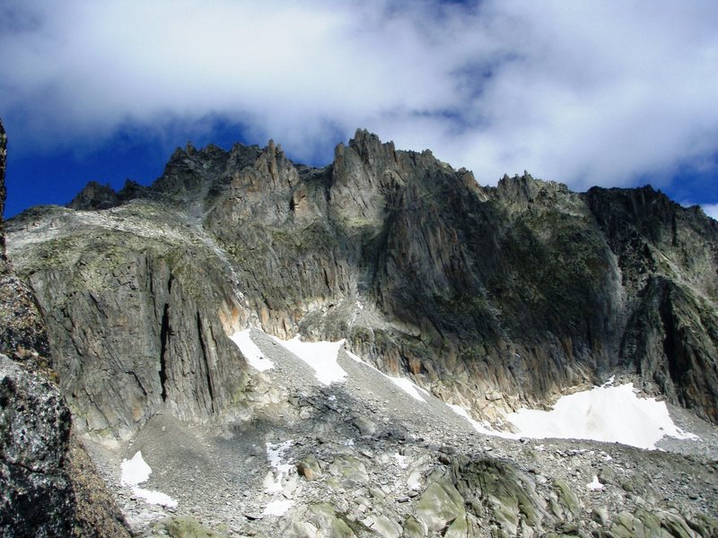 The Lochberg - Via Amici begins from the exposed tongue of rock at the left end of the large snowfield in the lower right corner of the picture
