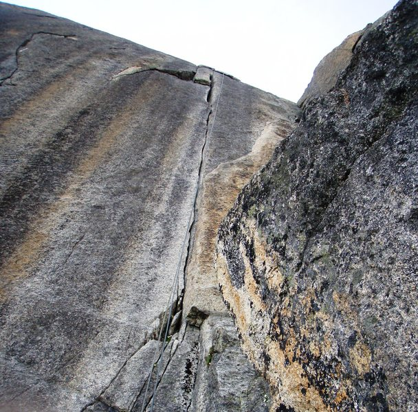 "The ""super fissure"" and signature of the route - pitches six and seven of Conquest."