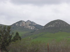 Rock Climbing Photo: Backside of Hollister Peak. Even the backside look...