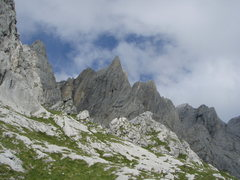 Rock Climbing Photo: The majestic Vorderspitz. Naebel und Chempae ascen...