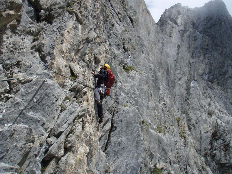 Rock Climbing Photo: Early in pitch six of Naebel und Chempae.  This an...
