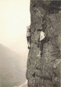 Rock Climbing Photo: Des Oliver Paul Ross on The Buttonhook Route Kern ...