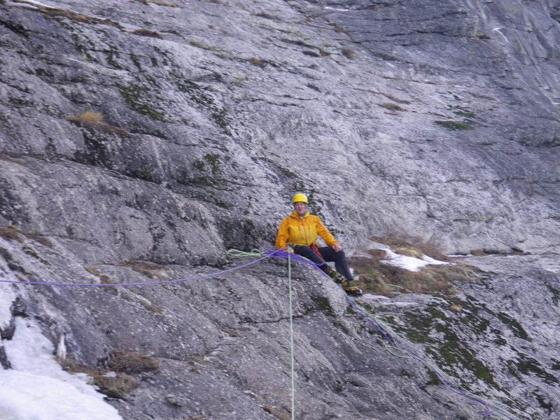 Rock Climbing Photo: 29-December-2011: Steve Larson at the rap station ...