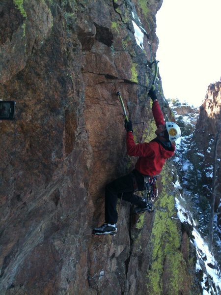 Rock Climbing Photo: Mixed variation at top of second pitch. Follows pi...