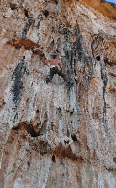 Rock Climbing Photo: Ed lovin the cool tufas Tufa Yard Dash (5.11)