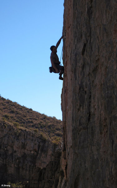 Lance Hadfield gets a shake on<br> Clean Slate (5.12-)